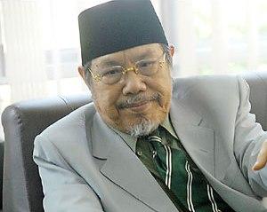 Mengenal Sosok Prof. Dr. KH. M.   Tolchah Hasan Menteri Agama Era Gus Dur