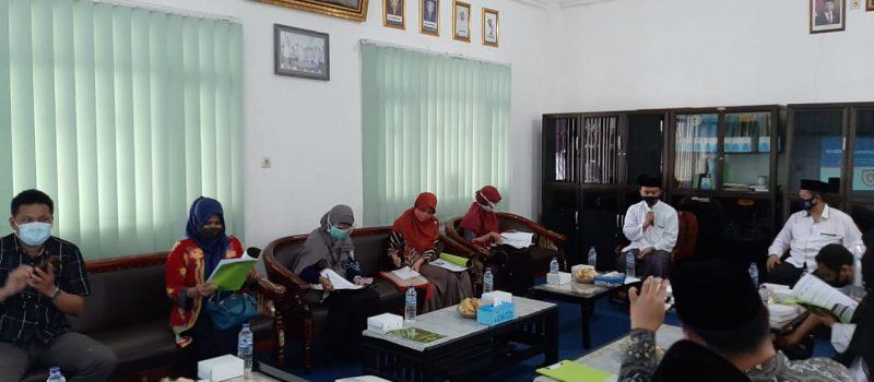Dinas Kesehatan Provinsi Jawa Timur dan Kabupaten Lumajang Pastikan PP. Miftahul Ulum Banyuputih Kidul Disiplin dalam Penerapan Protokol  Kesehatan Covid 19
