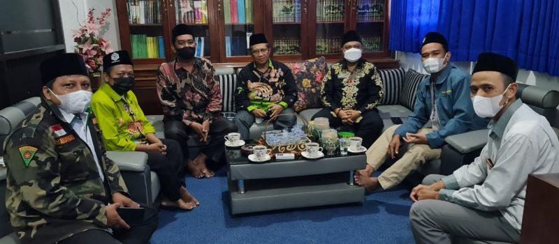 Awali Tugas, Kepala Kemenag Lumajang, Silaturrahim Ke PP. Miftahul Ulum Bakid